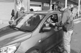 Campaña busca evitar robo de autos en centros comerciales